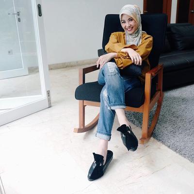 Inilah 5 Selebriti Indonesia Berhijab Paling Fashionable! Mana yang Kamu Banget?