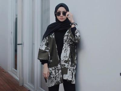 Supaya Tampil Lebih Kekinian, Kamu bisa Coba Outer Hijab Berikut Nih!