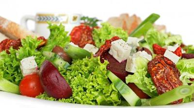 Spageti Gandum dan Salad Sayur