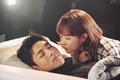 Menonton 5 Drama Korea Ini Buat Kamu Menangis dan Tertawa!