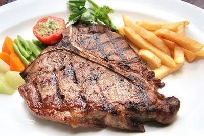 Steak Tenderloin dan Kentang Rebus