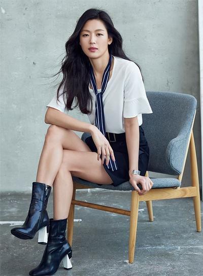 1. Syal Jun Ji Hyun
