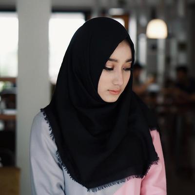Jarang Muncul di Media, 5 Anak Artis Indonesia Cantik Ini Bikin Kamu Gagal Fokus