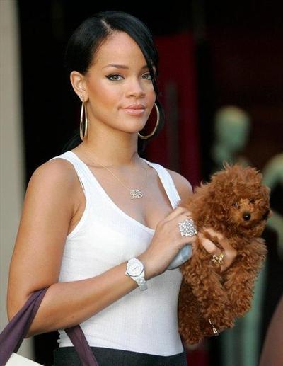 Chanel J12 - Rihanna