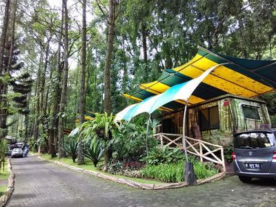 3. Caravan Bungalow Safari Lodge, Bogor
