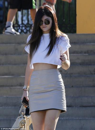 Crop Top & Rok Mini - Kylie Jenner