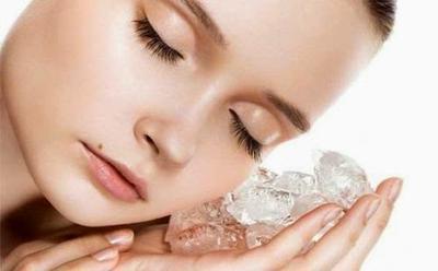 2. Kompres dengan Es Batu