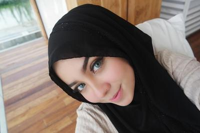 Ternyata Lipstik Wardah Warna Nude Ini Lagi Hits Banget Lho Hijabers di Tahun 2017