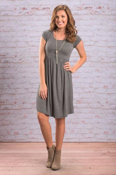 Cari Tahu Dress yang Sesuai dengan Bentuk Tubuh Agar Penampilanmu Lebih Maksimal!