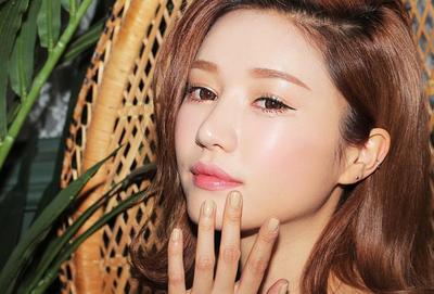 Ingin Wajah Dewy dan Glowing Ala Korea Tanpa Terlihat Berminyak? Simak Rahasianya di Sini!