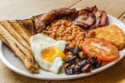 Yuk, Berkreasi Dengan Membuat English Breakfast untuk Menu Sarapan!