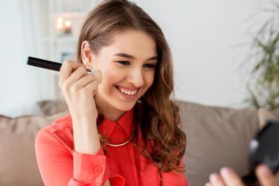 4 Blush On Lokal Ini Akan Menyempurnakan Make Up Kamu!