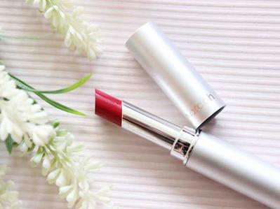 Ladies, Kamu Wajib Punya 4 Lipstik Lokal Ini yang Murah Tapi Tetap Long-Lasting