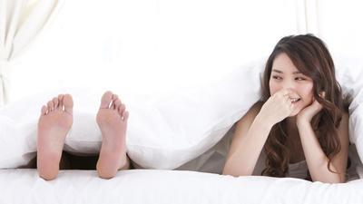 Awas Ladies, Ternyata Kebiasaan Sehari-hari Kamu Ini Dapat Menimbulkan Bau Kaki Lho