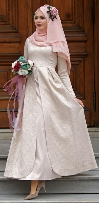 Tampil Beda Yuk, dengan 4 Inspirasi Gaun Pengantin Simpel untuk Wanita Berhijab