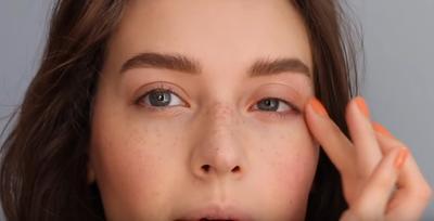 Jari dan Brush, Mana yang Lebih Higienis untuk Mengaplikasikan Make Up ke Wajah?