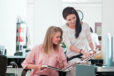 Ingin Warna Rambut Lebih Tahan Lama? Yuk, Lakukan 4 Cara Mudah Ini Ladies