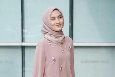 Wajid Dicoba! Tutorial Hijab Hari Raya Untuk Tampilan Idul Adha 2017 yang Lebih Kekinian