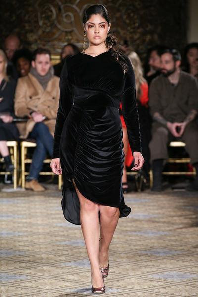 5 Desainer Ini Merekrut Plus Size Model untuk Runway Fashion Show Mereka, Menarik Bukan?