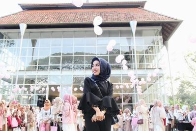 Kasual Glam Gaya Fashion ke Pesta Ala Medina Zein yang Cocok Untukmu!