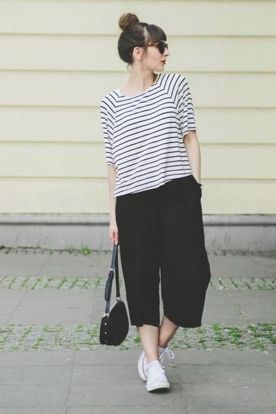 Celana Kulot + Monochrome Striped T-Shirt