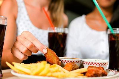 Awas, Jangan Memakan Makanan Ini Kalau Kamu Penderita Tekanan Darah Rendah!