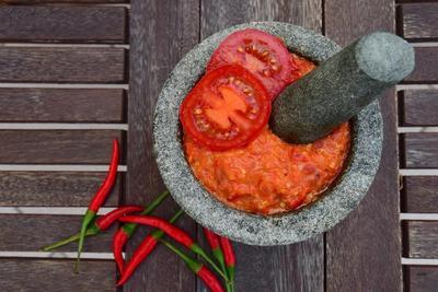 Yuk, Manjakan Lidahmu dengan Resep Ayam Bakar Sambal Tomat Ini