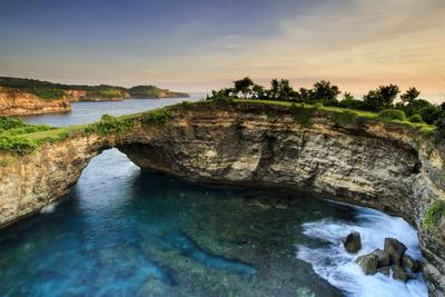 Jalan-jalan ke Bali? Sayang Kalau Melewatkan Tempat Indah di Nusa Penida Ini!
