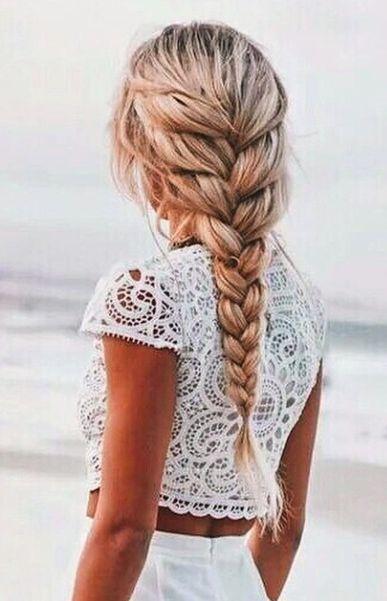 4. Buat Gaya Rambut Kepang