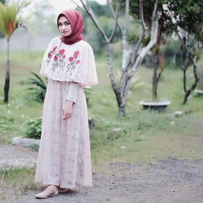 Embroidery Cape Dress