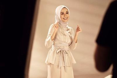 Hijabers, Rawat Kesehatan Rambut Lurusmu di Balik Hijab dengan Cara Praktis Ini Yuk!
