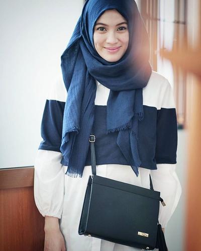 Tetap Fashionable Dengan Hijab