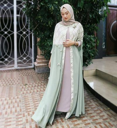 4 Destinasi Online Shop Batik Wanita Modis dan Kekinian yang Wajib Kamu Follow Instagramnya