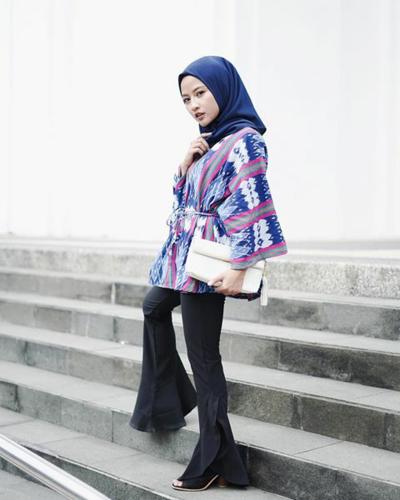 Hijab Warna Biru Navy