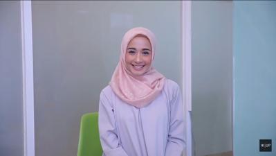 Tak Monoton dan Kurang dari 5 Menit, Ikuti Tutorial Hijab Simpel ala Laudya Cynthia Bella Ini!
