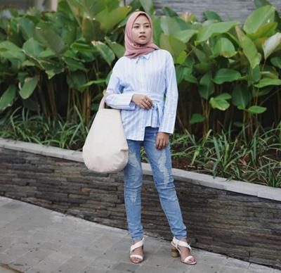 Hijab Warna Pale Pink