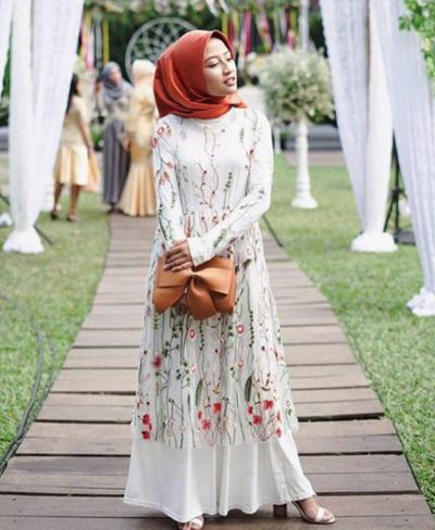 Hijab Warna Orange