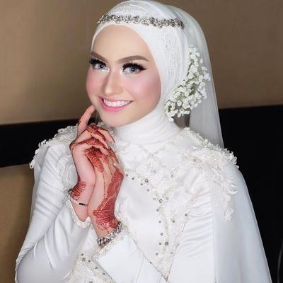 Crown Hijab Minimalis ala Sheilla Alaztha