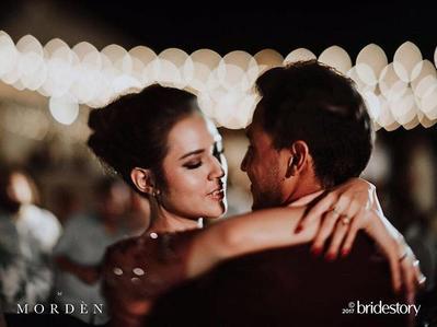 Romantis! Ini Momen Mesra pada Pernikahan Raisa Hamish yang Tidak Boleh Kamu Lewatkan