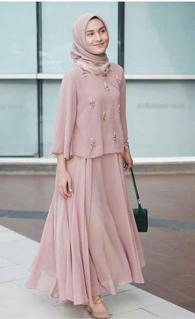 Ini style kondangan hijab untuk hijabers remaja agar penampilannya tak terlihat tua muslim Fashion dan style remaja