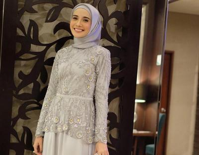 5 Inspirasi Kebaya Hijab untuk Wisuda Ini Akan Bikin Kamu Jadi yang Paling Cantik, Lho