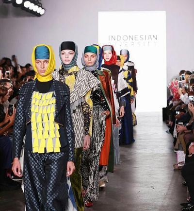 New York Street Wear by Dian Pelangi