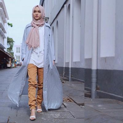 Ini Dia Deretan Long Outer Hijab Super Kekinian yang Stylish Banget! Sudah Punya Belum?