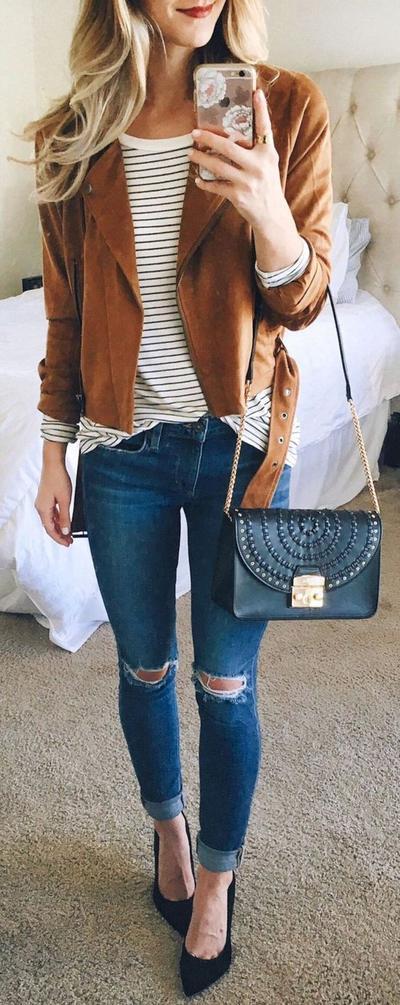 4 Model Celana Jeans yang Keren untuk Dipadukan dengan Striped Shirt, Mau Coba?