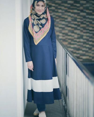 Tetap Stylish, Ini 4 Inspirasi Fashion Hijab Menutup Dada Ala Alyssa Soebandono yang Santun
