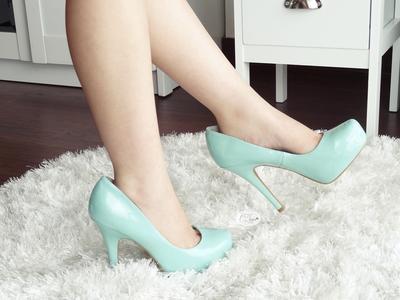 Sepatu Kamu Kebesaran? Coba Deh Atasi dengan Trik Ini!