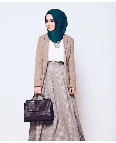 Biar Wawancara Kerja Makin Lancar, Coba Deh Gunakan Style Hijab Seperti Ini!