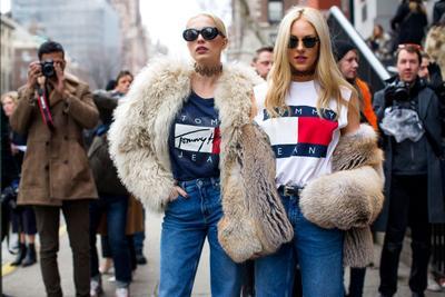 Gaya 4 Selebriti Ini Paling Keren di New York Fashion Week 2017, Penasaran?