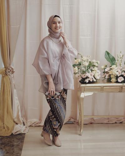 5 Model Kebaya Muslimah Organza yang Banyak Dipakai Selebgram untuk Kondangan