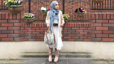Psst! Gaya Fashion Ala Host Cantik Ini Bisa Banget Kamu Jadikan Inspirasi Saat Traveling!